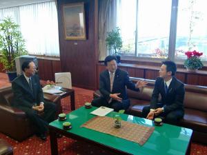 20100109渡辺副大臣津村市長表敬